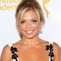 Lauren Sivan Bio, Wiki, Married, Age, Height, Net worth, Boyfriend, Dating, Family