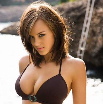 Rosie Jones Bio, Wiki, Net worth, Husband, Married, Rumor, Height, Age, Career